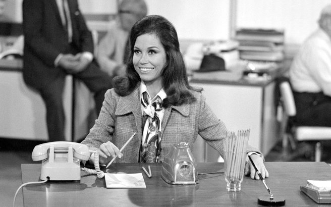 mary-tyler-moore-through-the-years-ftr